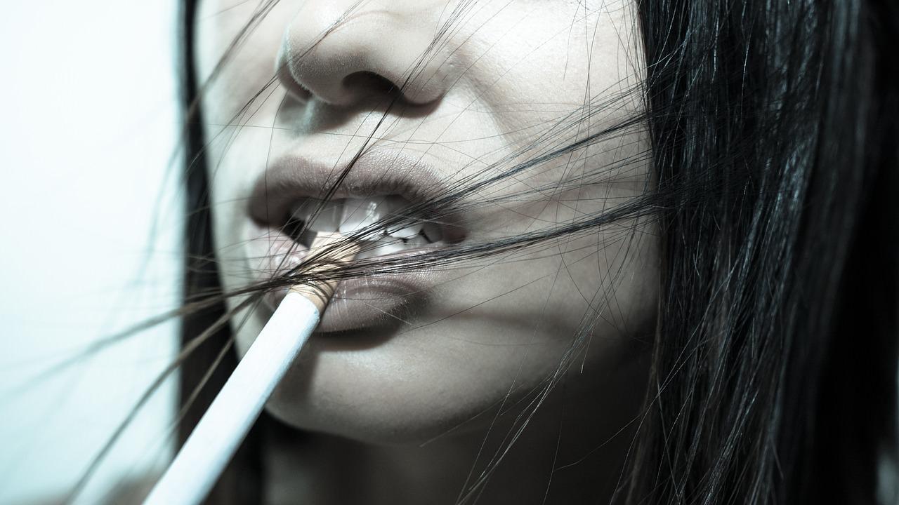 perdida dientes. tabaco