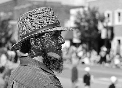 chiste del dia: dos amish en la ciudad
