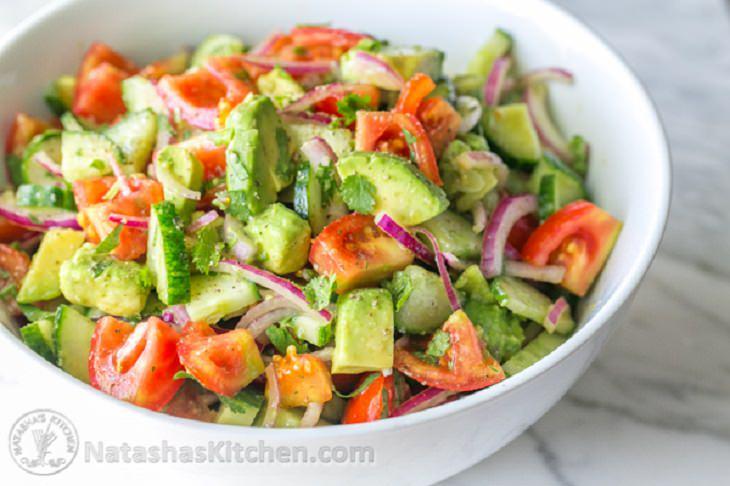 ensalada tomate, pepino, aguacate