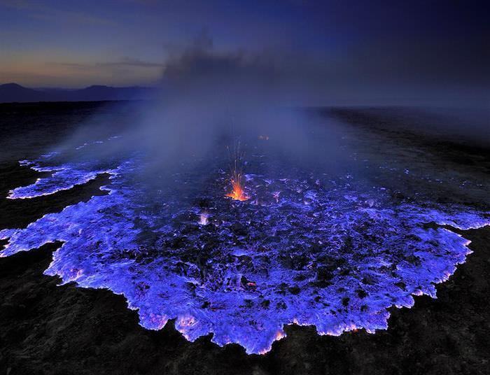 Volcan de lava azul