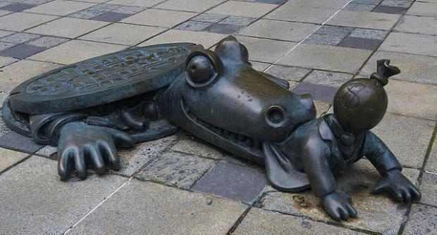 estatuas bizarras