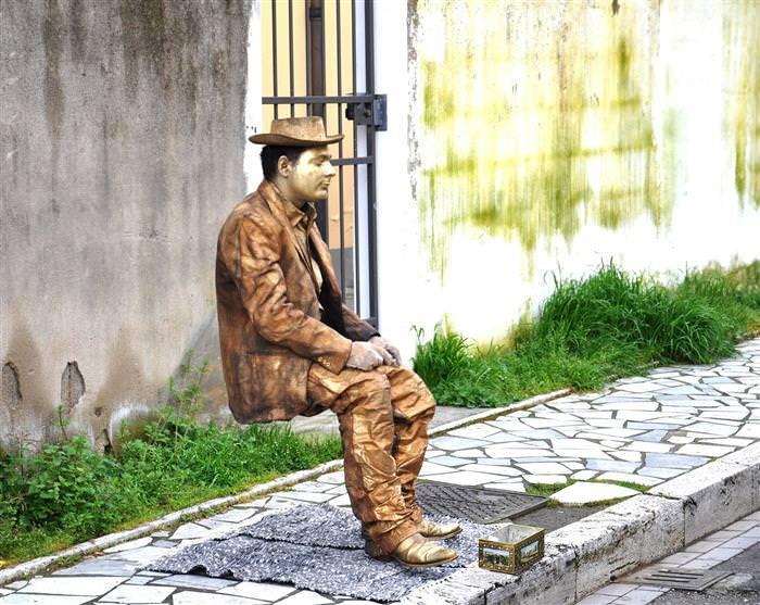 El Chiste Del Día: La Estatua
