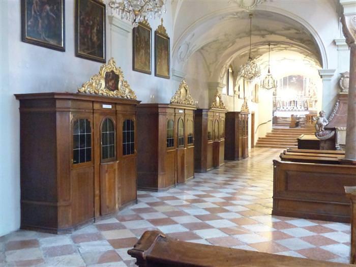 Chiste: La Difícil Confesión