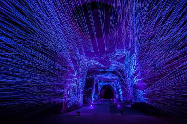 Cuevas Con Luz Uv