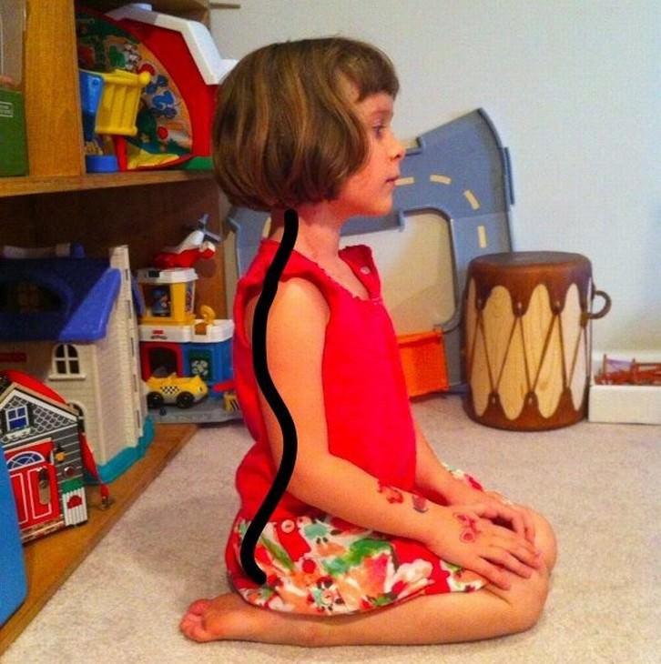 postura niños sentados