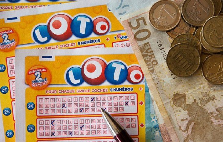 chiste:  Jugando a La Lotería