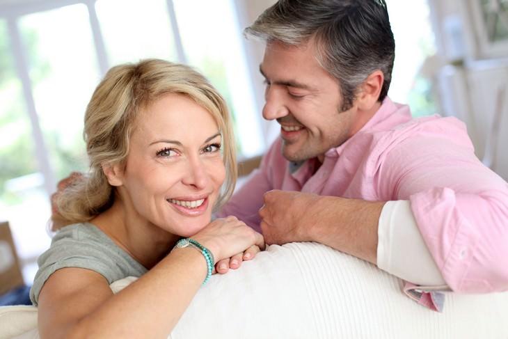 marido y mujer con secretos