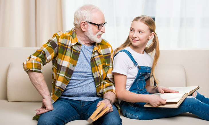 chiste: arrugas abuelo y niña
