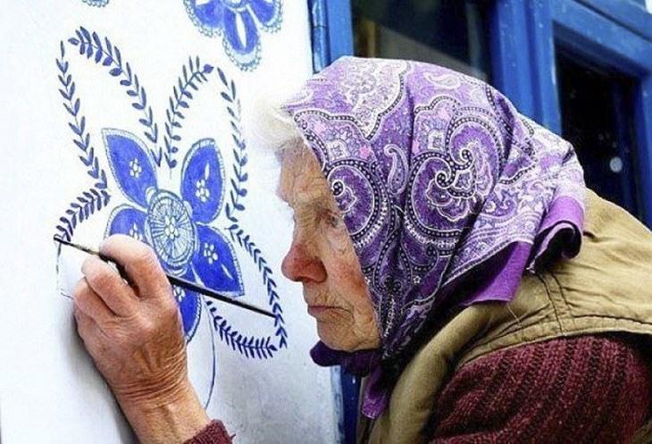 anciana cambia pueblo