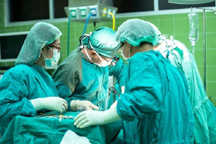 chiste cirujano