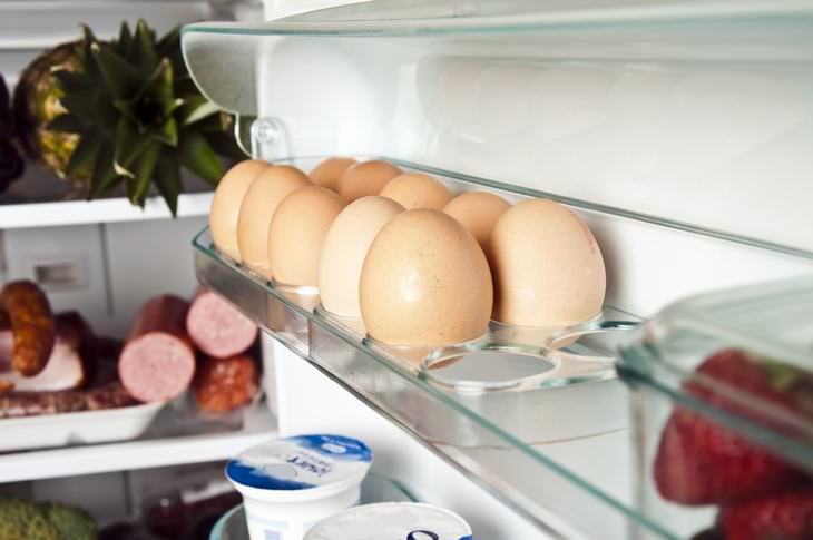 huevos y nevera