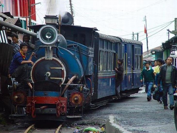 Ferrocarril Darjeeling Del Himalaya