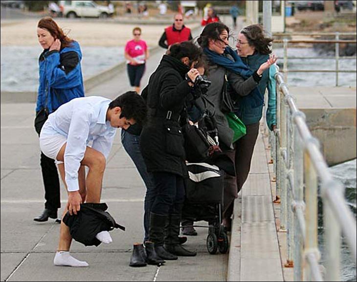 turist salva a un perro