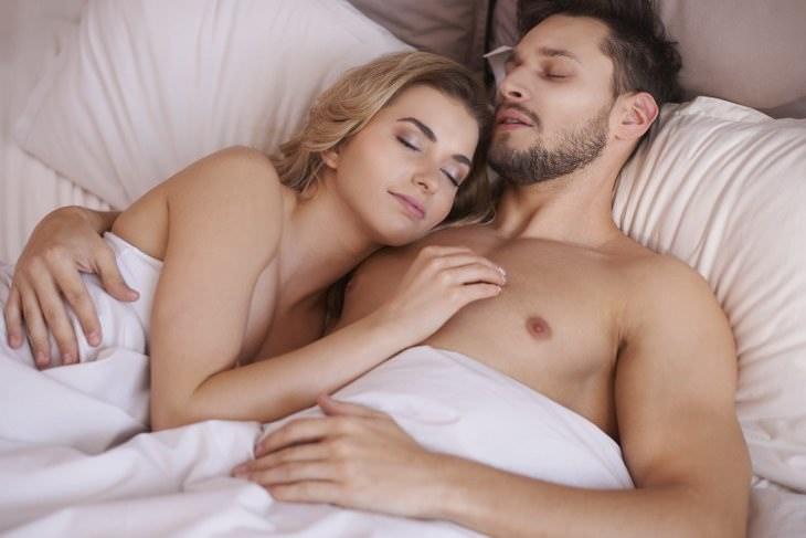 Dormir desnudos