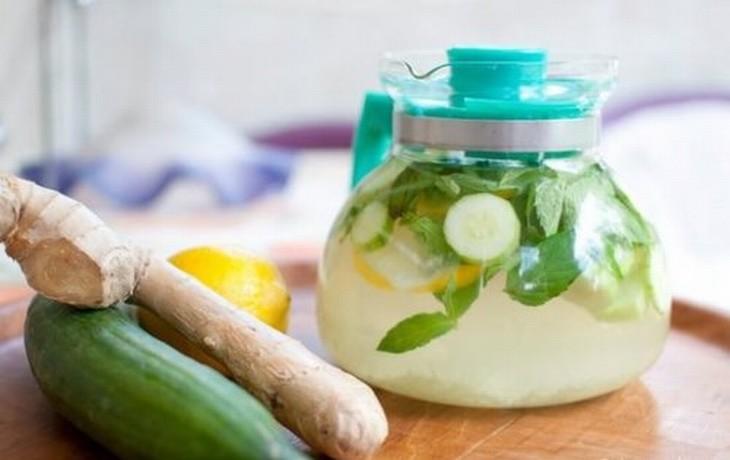 7 aguas naturales para limpiar tu organismo