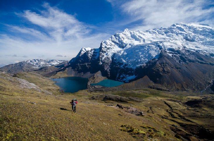 montañas arcoiris Perú