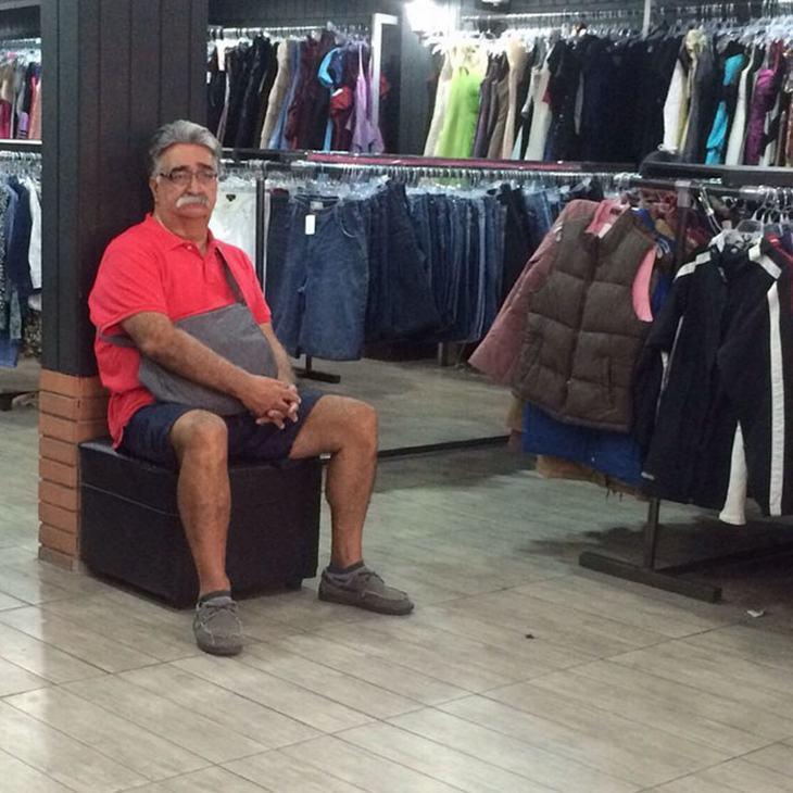 hombres miserables mujeres de compras
