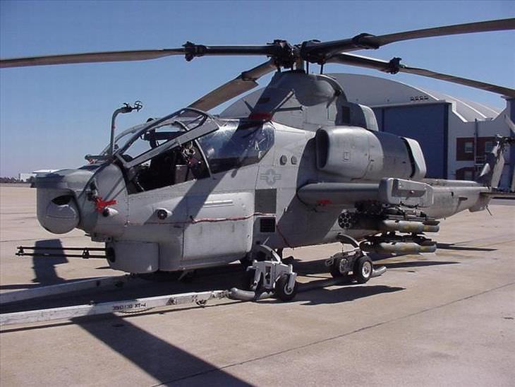 13 aviones y helicopteros