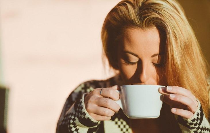 bebida para depresión: limonada con cúrcuma