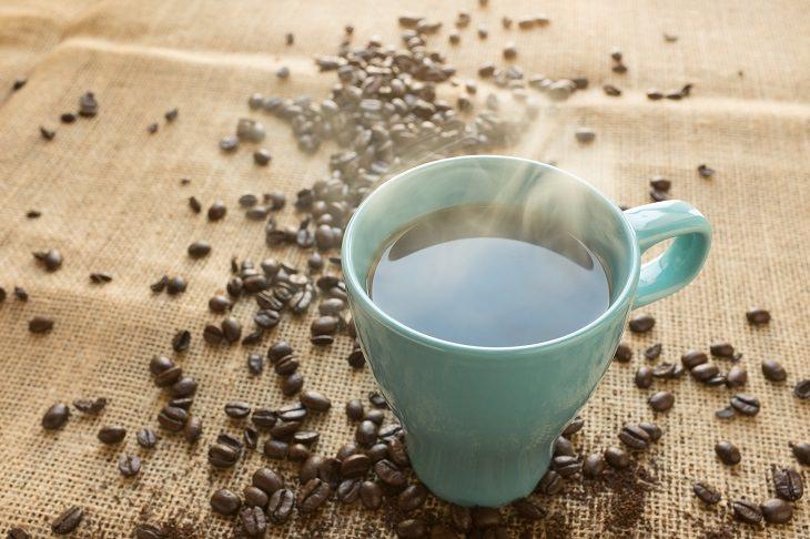 usos alternativos cascara limon quitar manchas de cafe