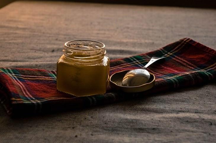beneficios agua con miel