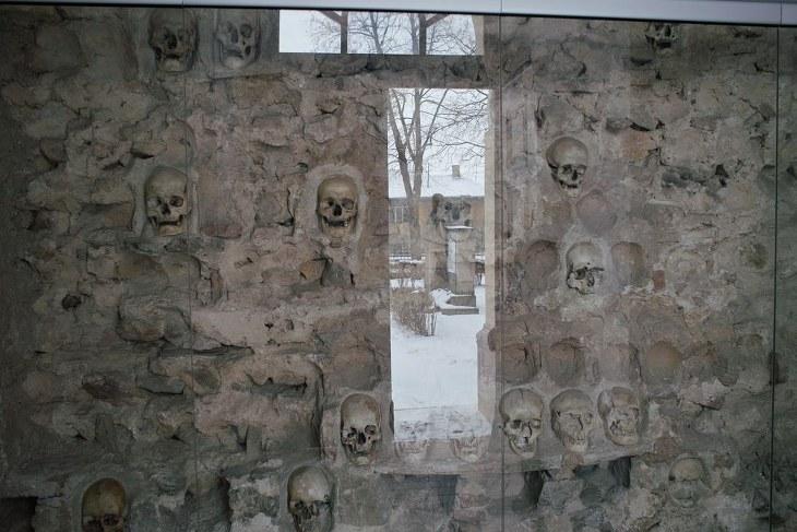 Enterramientos Subterráneos  Espeluznantes