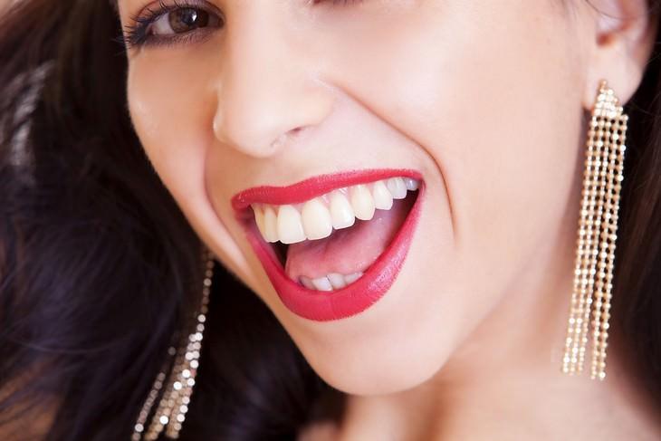 retirar placa dental naturalmente