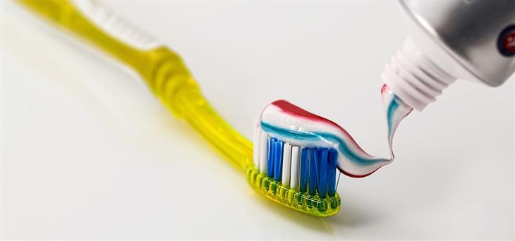 ingrediente pasta de dientes