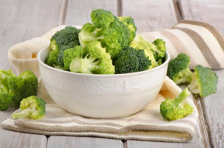 5 comidas para sobrevivir en una isla  brocoli