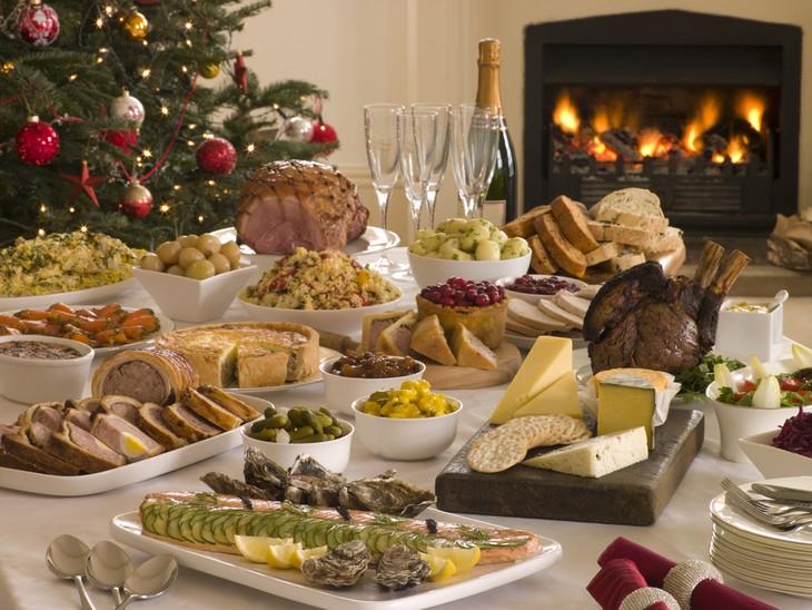 guía para las comidas en Navidad mesa de navidad