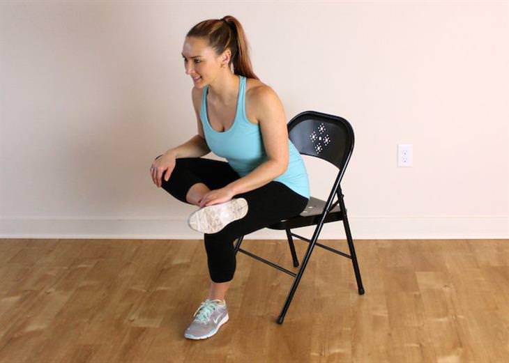 9 estiramientos sentados