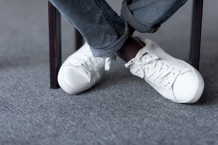 limpiar zapatos blancos