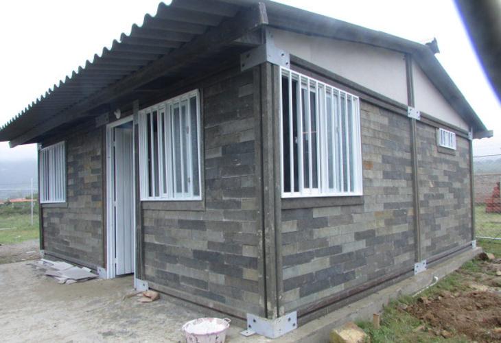 empresa colombiana casas de bajo coste