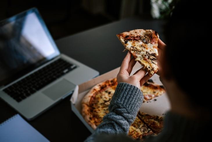 cenar tarde y cáncer