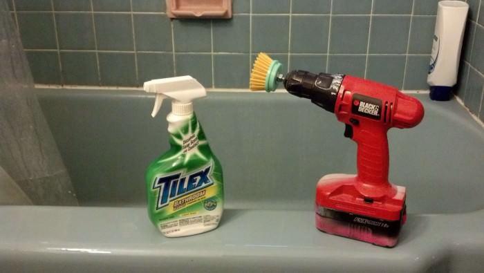 Taladro para limpiar bañera