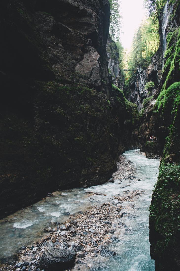 Cuento La Piedra En El Camino