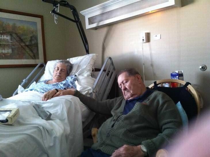 Amor Tercera Edad 70 Años Juntos