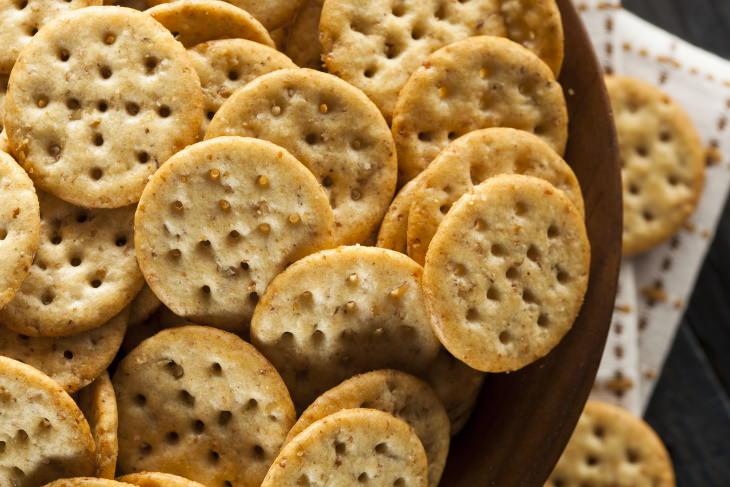 6 comidas combatir nausea alimentos secos