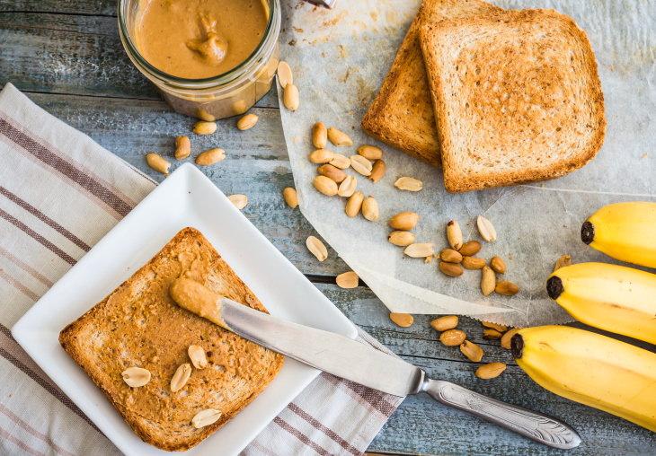 6 comidas combatir nausea mantequilla maní