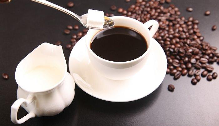 10 alimentos saludables peligros en exceso café
