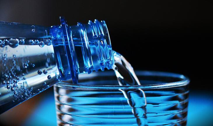 10 cosas evitar antes de dormir beber agua