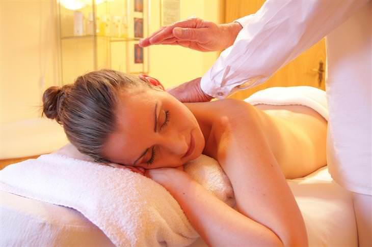 Cómo dar un masaje sueco