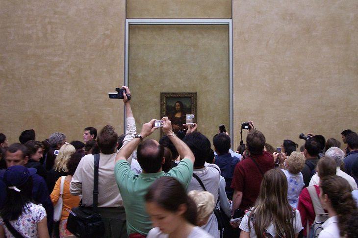 La Mona Lisa Expuesta en Louvre