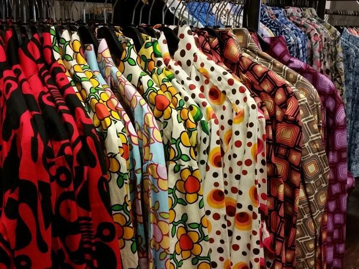 Cuidado del medio compra ropa de segunda mano