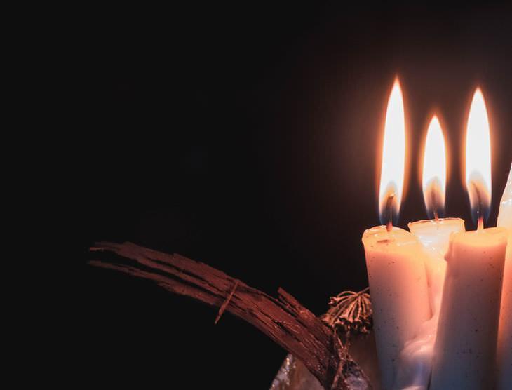 Frases una vela no se puede prender sin fuego