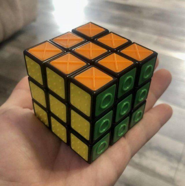 cubo de Rubik para invidentes
