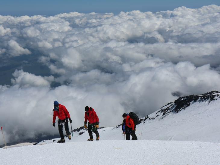 Chiste Un Político En El Monte Everest