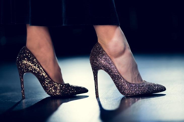 zapatos que dañan tus pies