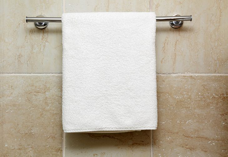8 lugares más sucios del baño