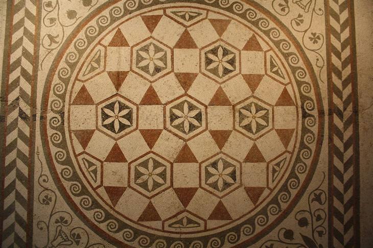 14 mosaicos de tiempos pasados